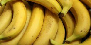 Banana não de ser embalada com embalagem a vácuo